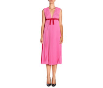 Langes Kleid aus Plissiertem Stoff