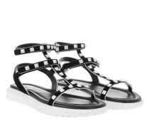 Free Rockstud Suede Sandals Black/White Sandalen weiß
