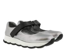 Sneaker In Pelle Con Velcro Argento Sandalen