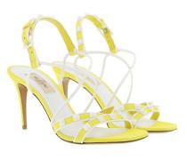 Free Rockstud Spike Sandals Leather Yellow Sandalen