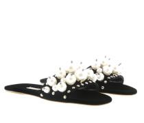 Schuhe Flat Sandals With Pearls Black schwarz
