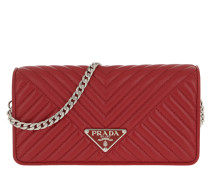 b67a51f27e802 Umhängetasche Mini Crossbody Bag Quilted Leather Red rot. Prada