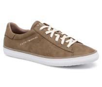 Riata Lace Up Sneaker in braun