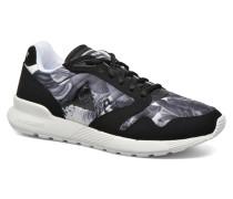 Omega X W Kahori Maki Sneaker in schwarz