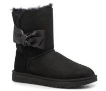 Daelynn Stiefel in schwarz
