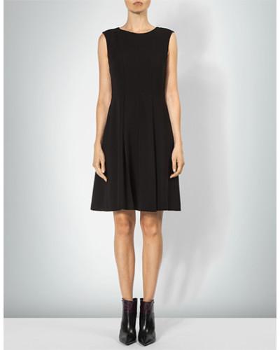Kleid im ausgestellten Schnitt