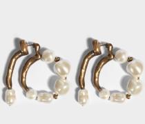 Hoop earrings with pearls