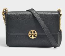 Handtasche mit Schulterriemen Chelsea aus genarbtem Kalbsleder in Schwarz