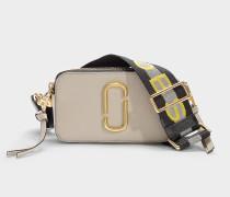 Handtasche Snapshot aus Kalbsleder mit Polyurethan Beschichtung in Beige und Bunt