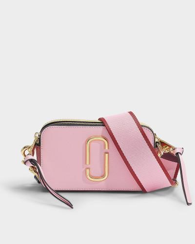 Tasche Snapshot aus Leder mit roter und rosa Polyurethanbeschichtung