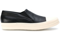 Slip-On-Sneakers mit Kontrastkappe