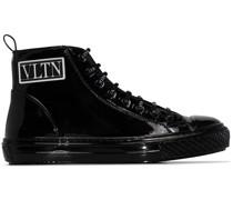 'Giggies' Sneakers
