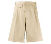 Chino-Shorts mit weitem Bein