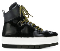 High-Top-Sneakers mit Herz-Patches