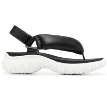 chunky sole thong-strap sandals