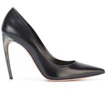 horn heel pumps