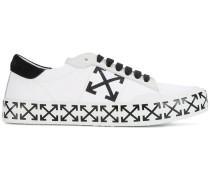 'Arrow' Sneakers mit Kreuz