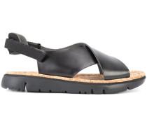 - Sandalen mit gekreuzten Riemen - women