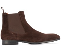 low-heel chealsea boots