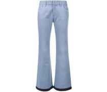 Ausgestellte Jeans mit gehäkeltem Saum