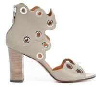 Sandalen mit Ösen