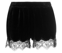 shorts with scalloped lace trim