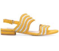 Sandalen mit gewellten Streifen