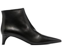 Stiefel mit spitzer Kappe