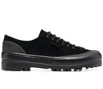 Sneakers mit Profilsohle