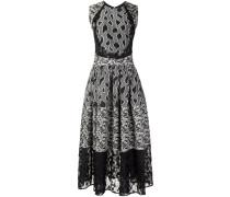 Ausgestelltes Kleid mit Mustermix