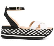 Flatform-Sandalen mit Knöchelriemen