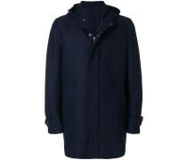Mantel mit verdeckter Front