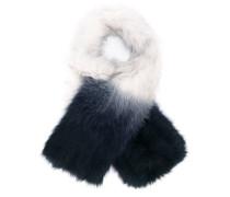 Langer Schal aus Fuchspelz