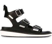 Sandalen mit drei Schnallen