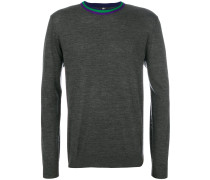 Pullover mit gestreiftem Ausschnitt