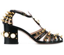 Mittelhohe Sandalen mit Nieten - women