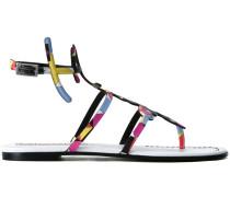 Sandalen mit bedruckten Riemchen