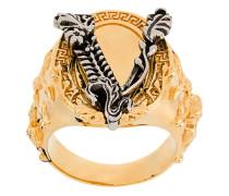 'V-Barocco' Ring