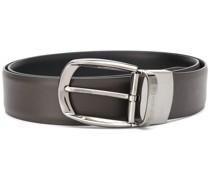 oval-buckle belt