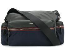 Schultertasche mit mehreren Außentaschen