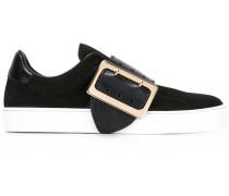 Sneakers mit kontrastierender Schnalle