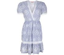 Gestreiftes Kleid mit Lochstickerei