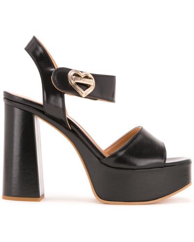 Sandalen mit Herz-Schnalle