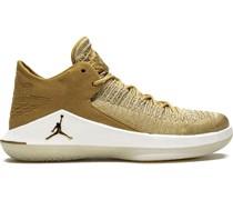 'Air  32' Sneakers