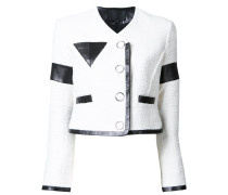 Cropped-Jacke mit dreieckiger Brusttasche