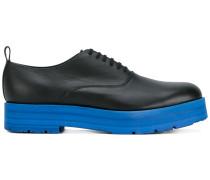 Oxford-Schuhe mit Kontrastsohle