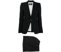Zweiteiliger Anzug mit Shorts