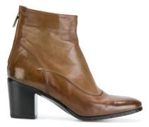 Stiefel aus gebürtstetem Leder