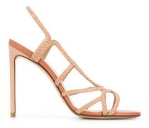 Sandalen mit Flechtmuster