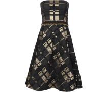 - Schulterfreies Kleid mit ausgestelltem Schnitt